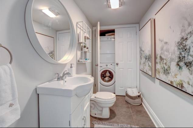 Powder Room/Laundry